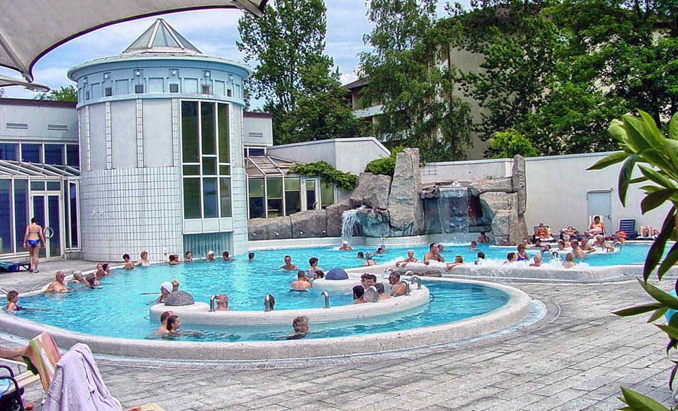 Umgebung freizeit g stehaus pension am blauenbach in for Piscine badenweiler